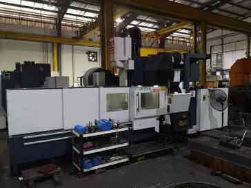 USED FOUR STAR VERTICAL MACHINING CENTER 2